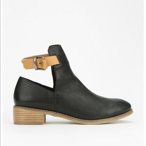 Ecote' Stappy Ankle Boots